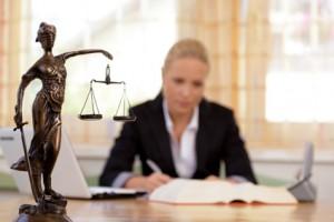 Vergleichen Sie jetzt die Preise und Leistungen der Rechtsschutzversicherung und sparen Sie Jahr für Jahr wertvolle Beiträge
